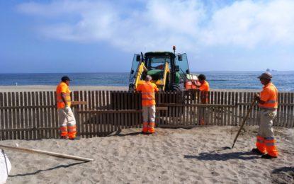 Iniciados trabajos de mantenimiento de playas para evitar desplazamientos de arena con los temporales