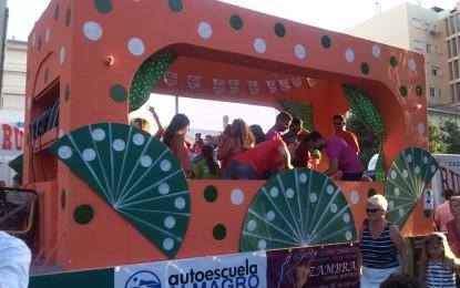 La cabalgata de la Feria de La Línea saca el pueblo a la calle