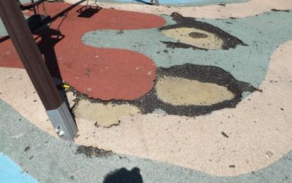 El PSOE de Los Barrios exige el arreglo del parque infantil de Palmones