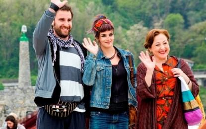 Tras la enorme demanda, vuelve hoy y mañana «Ocho apellidos vascos» al cine de verano de La Línea