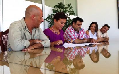 Firmado un convenio con la asociación Afocam para que la actividad fotográfica sea una constante en la Casa de la Juventud