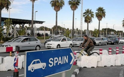 Bruselas avisa de que los controles de España en la Verja no mejoran y son 'desproporcionados'