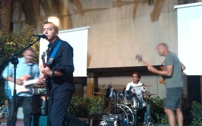 La extraordinaria música de José Niño hace olvidar el deficiente video clip de Miguel Becerra