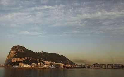 Londres protesta por una incursión de la Armada en «aguas de Gibraltar»