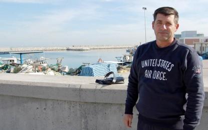 Vuelven las boyas a estar fondeadas en el litoral con la colaboración de la cofradía de pescadores y tras la reunión mantenida el miércoles