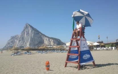 La empresa Socorrismo y Servicios S.L asumirá los servicios de salvamento y socorrismo en las playas por 135.000 euros