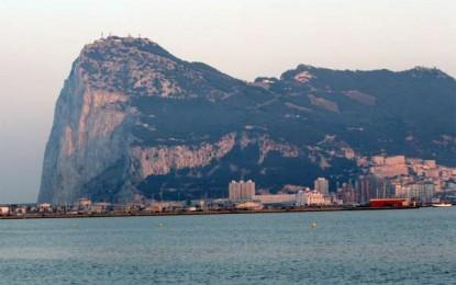Rosa Díez emplaza al Gobierno a impedir lo que ella llama «una nueva ampliación ilegal del puerto de Gibraltar»
