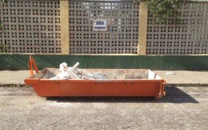 Comienza la colocación de contenedores de escombros