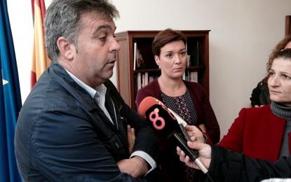 Compromiso de trámites finales para solventar el problema de las 22 casas que construyó EPSA en la calle Sevilla