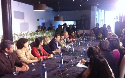 Juan Manuel Moreno pide un trato «especial y singular» para La Línea como «contraprestación» por su carácter fronterizo
