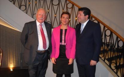 Radio Bahía Gibraltar congregó anoche en el Hotel Caleta a la sociedad de La Línea y Gibraltar