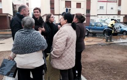 Gemma Araujo y Ángel Villar supervisan los trabajos realizados en Los Junquillos y la limpieza integral acometida este viernes