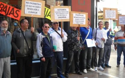 El colectivo de parados se ha manifestado en las calles linenses