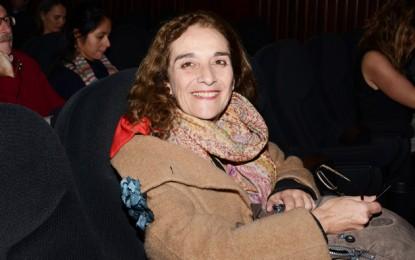 Encarnación Sánchez felicita a Consuelo Trujillo por un nuevo premio de la Unión de Actores