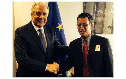 García transmite su preocupación por los retrasos en la frontera al Comisario Europeo de Asuntos de Interior