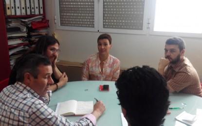 Reunión de la candidata socialista, Gemma Araujo, con representantes de la Asociación Reinici-arte y Cultura Levadura