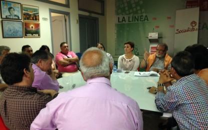 Gemma Araujo, candidata a la alcaldía, se reune con representantes de los vendedores ambulantes
