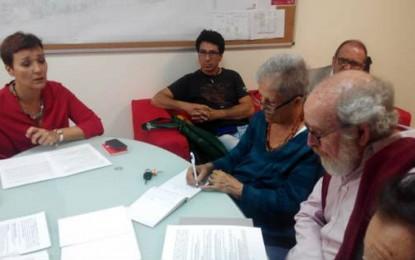 La candidata socialista, Gemma Araujo, comparte las propuestas del movimiento vecinal