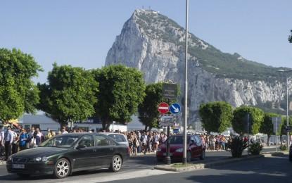 La nueva frontera inteligente española sigue causando importantes retrasos para entrar y salir de Gibraltar