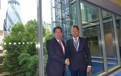 Picardo se reúne con el Presidente de Lloyd's Register en Londres para acordar la colaboración futura en materia de gas natural licuado