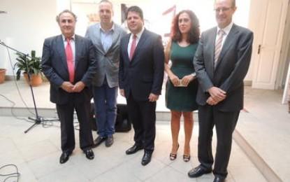 Picardo reclama en el Curso de Verano al Gobierno español más cooperación