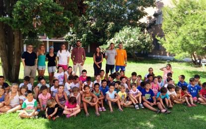 El Campamento de verano de la casa de la juventud termina con una fiesta de espuma tras cuatro quincenas con un centenar de participantes