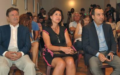 El consejero de Turismo condena el maltrato a turistas y trabajadores en la frontera con Gibraltar
