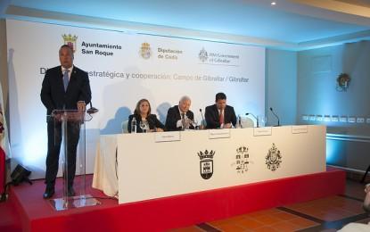 Moratinos pide que se retome el diálogo sobre Gibraltar y sugiere una policía conjunta contra el narcotráfico