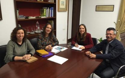 Ana Carrera analiza con la federación de cooperativas Faecta nuevas líneas de colaboración