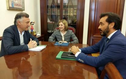 Diputación y Consejería de Agricultura colaborarán en mejora de infraestructuras y promoción agraria