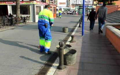 Ayuntamiento  y Aqualia acometen la limpieza de imbornales