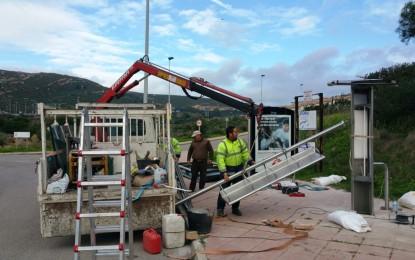 El Ayuntamiento impone una sanción de 3000 euros a la concesionaria del servicio de mantenimiento y explotación de marquesinas publicitarias