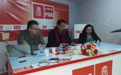 Gavino explica las nuevas medidas de la Junta contra el desempleo en Los Barrios