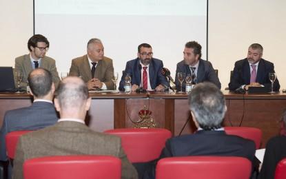 Diputación colabora con la jornada sobre consumo y colegios profesionales celebrada en Cádiz