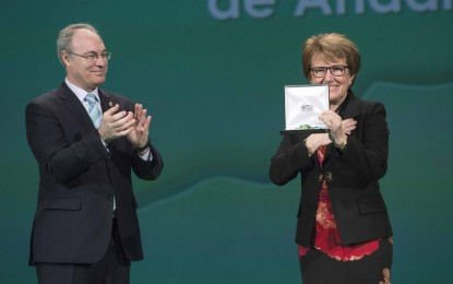 María Luisa Escribano recibe la Medalla de Andalucía