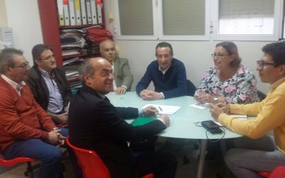 El PSOE se reúne con el presidente de Apymell, Loren Periáñez