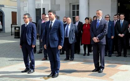Minuto de silencio y banderas a media asta en Gibraltar por la tragedia de Bélgica