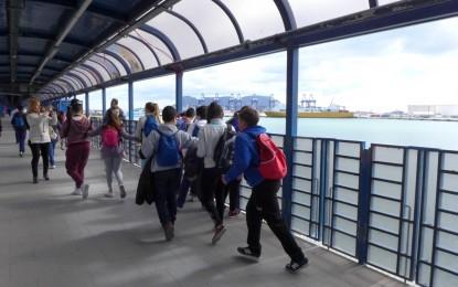 Visita de estudiantes de Taraguilla al Puerto de Algeciras