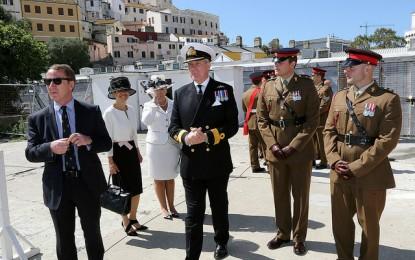 21 cañonazos en Gibraltar en honor de Su Majestad la Reina