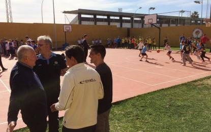 Cuatro colegios adscritos al programa de escuelas deportivas de la Junta han participado en el I Torneo escolar de baloncesto