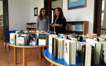 La biblioteca ya cuenta con las últimas adquisiciones de libros tras invertir 1.300 euros