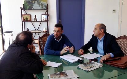 El alcalde traslada a los representantes del Grupo Transfronterizo su apuesta para ubicar la sede del colectivo en La Línea