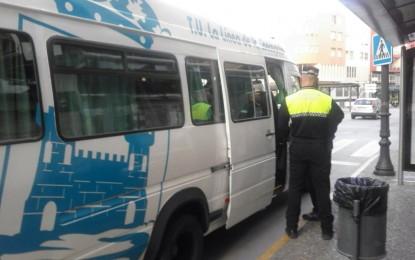 SPLL denuncia que los policías locales se han tenido que trasladar hasta el Burgo en autobús por falta de vehículos