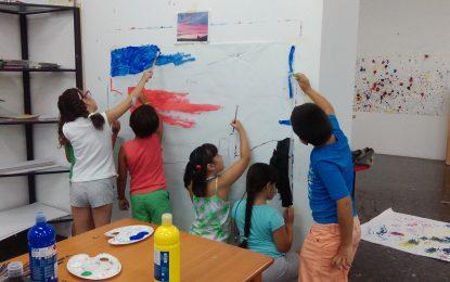 En marcha el Campamento de verano creativo de Reiniciarte y la galería Manolo Alés de la delegación de Cultura