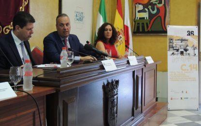 Picardo defiende una frontera con libertad de movimientos en su conferencia en el Palacio de los Gobernadores