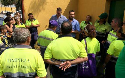 La adquisición de dos camiones para la Limpieza y el contrato de un servicio de poda, en fase de comisión técnica