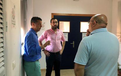 El alcalde supervisa el actual hospital y el municipal de cara a ir trabajando sobre el futuro de estos dos inmuebles cuando dejen su actividad sanitaria