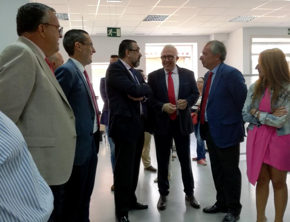 El consejero de empleo ha inaugurado las nuevas oficinas del servicio andaluz de empleo radio - Oficina del servicio andaluz de empleo ...