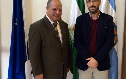El cónsul de Marruecos realiza una visita al alcalde de la Línea