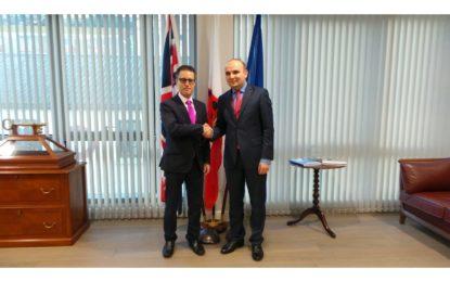 El Viceministro Principal de Gibraltar recibe a un eurodiputado para hablar sobre el brexit
